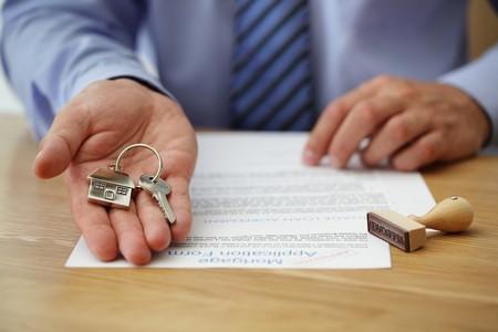 Нотариус выдаёт дубликат документа наследнику с обязательной отметкой об отсутствии каких-либо изменений