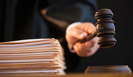 Решение вопроса по закону и через суд